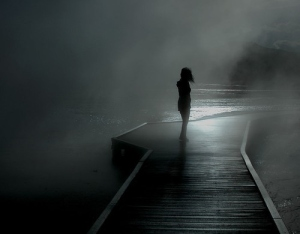 alone-art-beautiful-black-and-white-calm-figure-Favim_com-40265